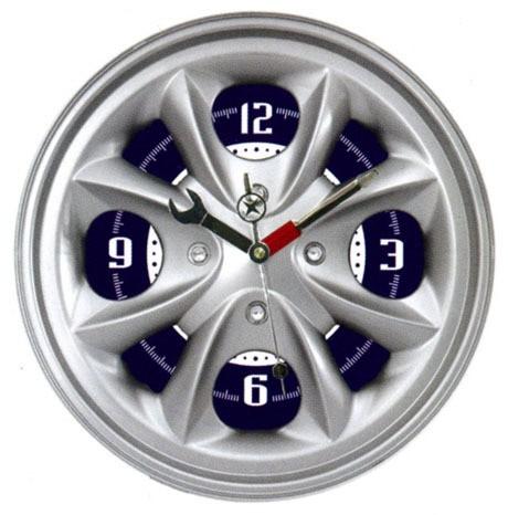 Настенные часы в виде автомобильного диска, без подсветки