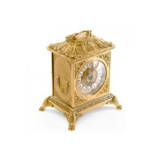 Золотистые каминные часы Ларец