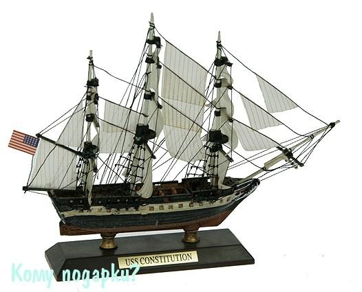Модель корабля USS Constitution