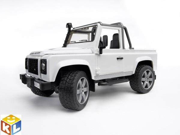 Внедорожник-пикап Bruder Land Rover defender