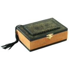 Кожаная шкатулка в виде книги