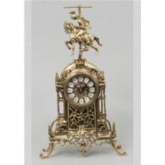 Красивые часы из бронзы Всадник