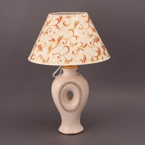 Лампа настольная с абажуром
