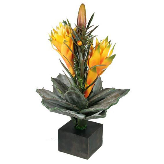 Композиция из искусственных цветов «Бромелиад»