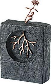 Скульптура «Зри в корень»