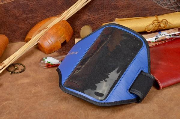 Универсальный спортивный синий чехол на руку для телефона