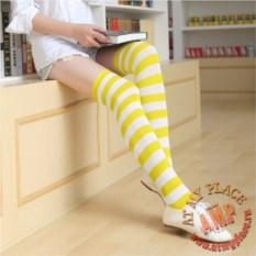 Бело-желтые полосатые гольфы