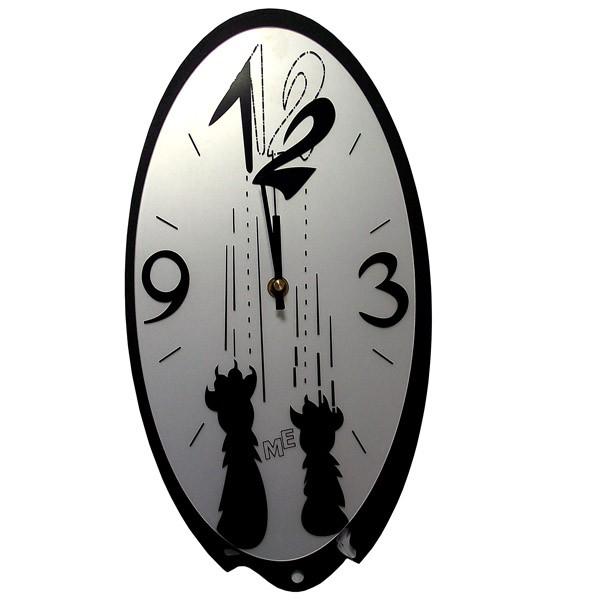 Часы с рисунком кошачьих лап