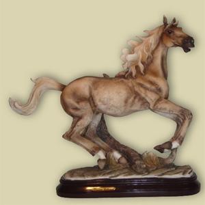 Статуэтка «Бегущая лошадь»