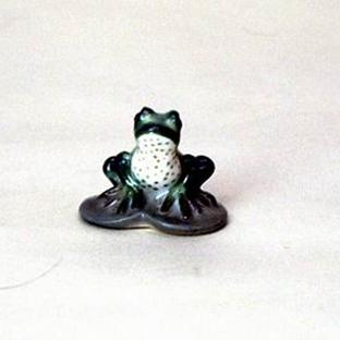 Анималистическая скульптура «Лягушонок»