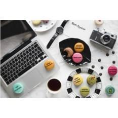 Набор пирожных макарон «Книга желаний»