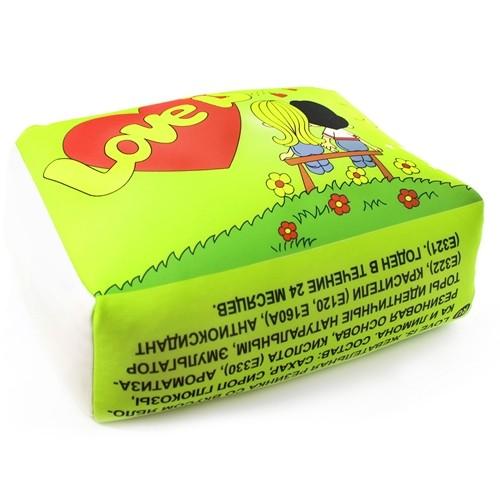 Зеленая подушка Love is