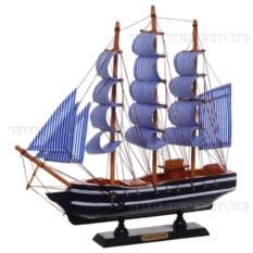 Модель корабля из дерева, длина 33см
