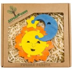Развивающая игрушка Солнце и месяц