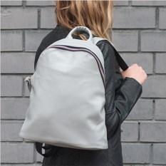 Серый рюкзак с большой молнией