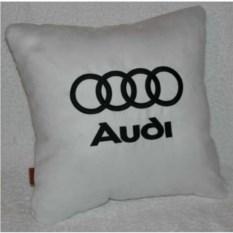Белая подушка с черной вышивкой Audi