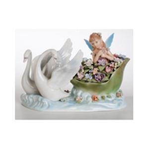 Музыкальная фарфоровая статуэтка «Фея на лебедях»