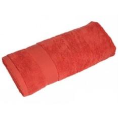 Красное большое махровое полотенце
