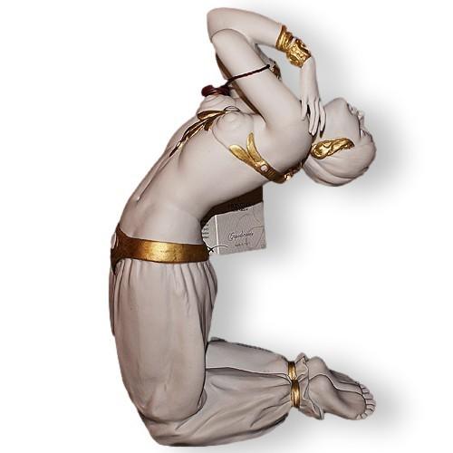 Статуэтка из фарфора Турчанка в танце