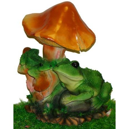 Садовая фигурка Две лягушки под грибом
