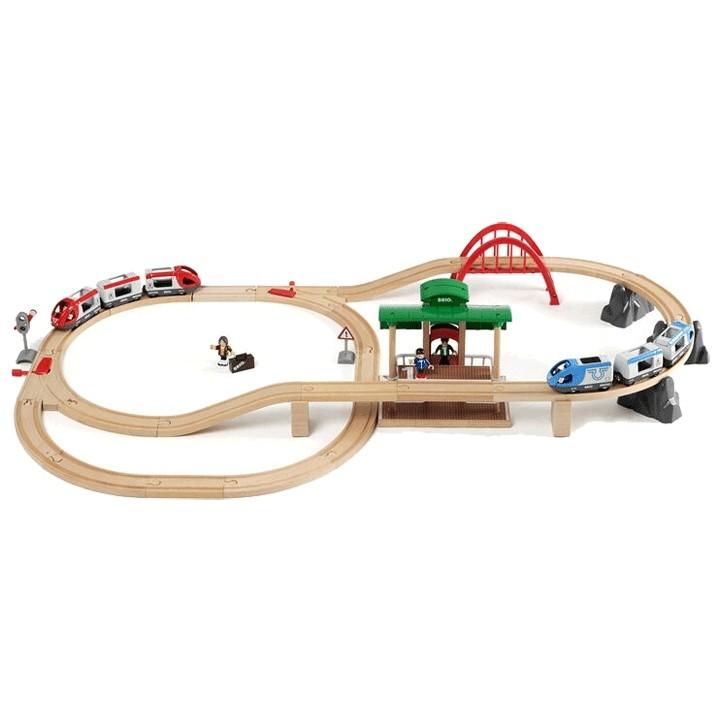 Деревянная железная дорога двухуровневая с вокзалом (на батарейках) БРИО