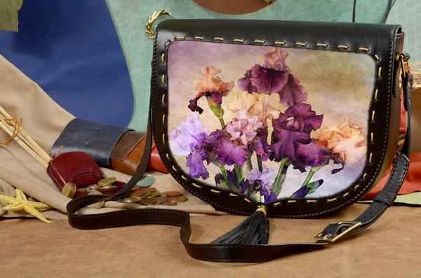 Женская сумка-седло с принтом Фиолетовые цветы