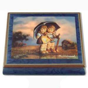 Музыкальная шкатулка «Под зонтом»