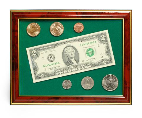Деньги под стеклом в рамке подарок 12
