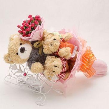Букет из игрушек Романтические чувства