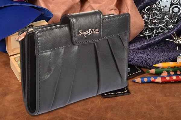 Женское чёрное кожаное портмоне Sergio Belotti