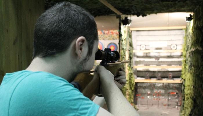 Стрельба в пневматическом тире Sniper Gun