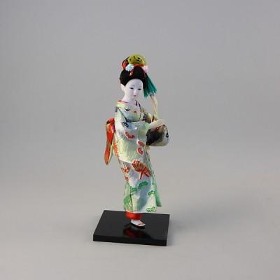 Коллекционная фарфоровая фигурка гейши с веером в кимоно