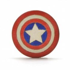 Значок Капитан Америка из дерева