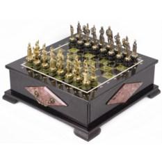 Шахматный ларец с фигурами из бронзы Русские