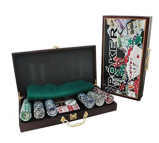Набор для покера с номиналом 300 в деревянном кейсе