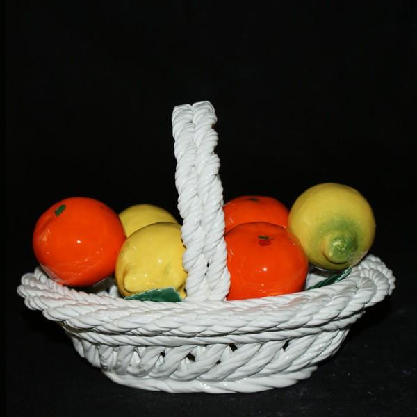 Корзина овальная с лимонами и мандаринами