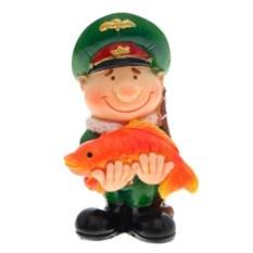 Декоративная фигурка Военный с рыбой