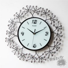 Кварцевые настенные часы Кристалл