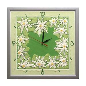 Часы настенные Весна