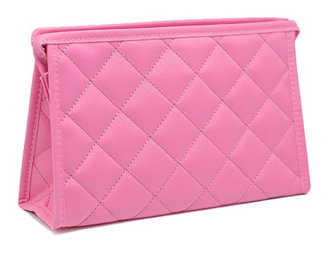 Розовая стеганая косметичка