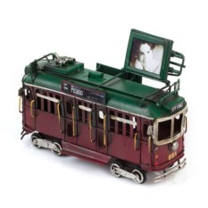 Модель Ретро-трамвай с фоторамкой (цвет — красный)
