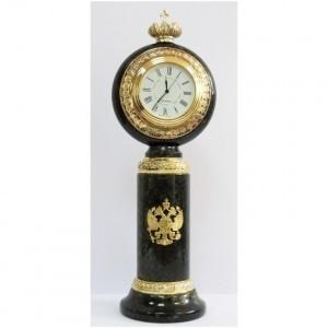 Часы настольные из змеевика Герб и корона