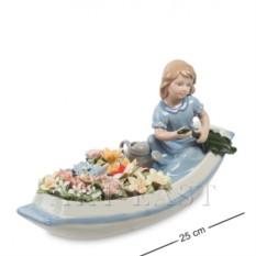 Фарфоровая композиция Девочка в цветочной лодке
