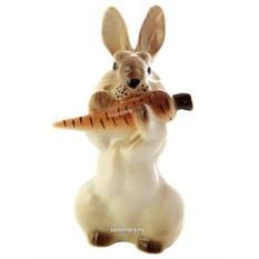 Скульптура Заяц с морковкой №3