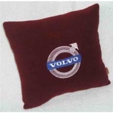 Бордовая подушка Volvo