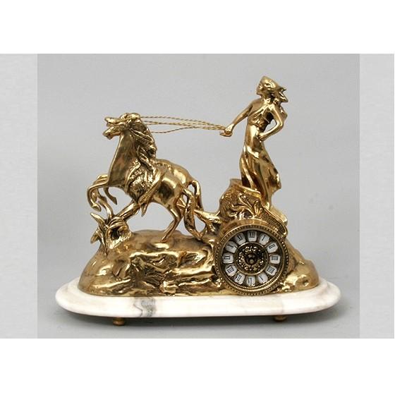 Часы бронзовые каминные Колесница