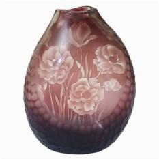 Бело-бордовая стеклянная ваза