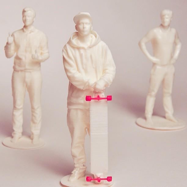 Статуэтка 3DYA (ударопрочный пластик, 15 см)