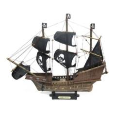 Корабль с пиратскими парусами SANTA MARIA