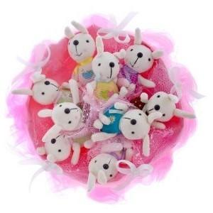 Букет из мягких игрушек 9 зайчат